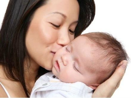 Các lựa chọn khi mang thai: nuôi con, cho làm con nuôi, và phá thai
