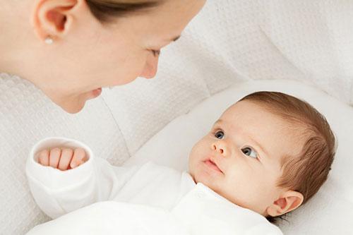 Chăm sóc trẻ khỏe giai đoạn 4 tháng tuổi