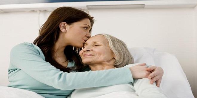Giúp đỡ người cao tuổi đối diện những thay đổi lớn trong cuộc sống