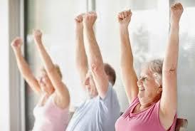 Tập thể dục đều đặn ở người cao tuổi để ngăn ngừa té ngã