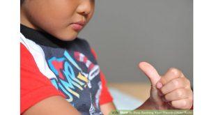 Thói quen mút tay của bé dưới góc nhìn của bác sĩ Răng Hàm Mặt
