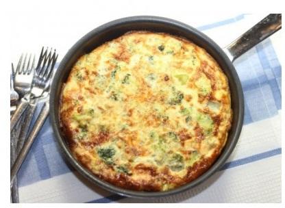 Trứng rán phô mai với bông cải xanh