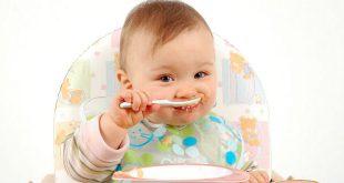 phương pháp ăn dặm truyền theo ý trẻ và phương pháp ăn dặm truyền thống khác nhau như thế nào