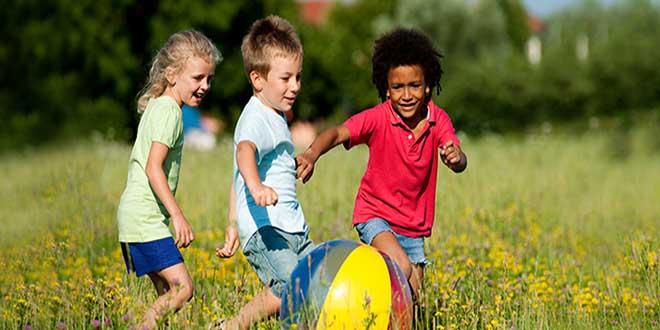 Hoạt động ngoài trời có thể giảm nguy cơ cận thị ở trẻ em?