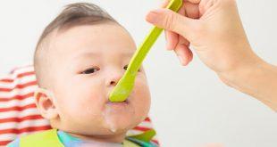 Bột ngọt và bột mặn thương mại khi cho trẻ ăn dặm