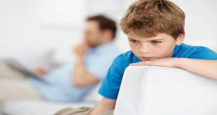 Bé tự kỷ khác bé bình thường cái gì?