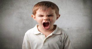 Trẻ bị khàn tiếng