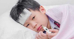 làm gì khi bé bị sốt