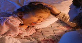 Tại sao trẻ hay ho về đêm