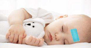 Sử dụng miếng dán hạ sốt cho trẻ