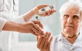 người lớn tuổi và bệnh tiểu đường